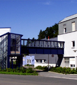 "ARNOLDSTEIN INNOVATION CENTRE is the first location in Carinthia to have an extensive state-of-the-art fibre-optic cable network for exceptionally fast data transmission. There are also plans to create a ""Zukunftslabor"" (""Future Lab"") at the innovation centre, where Carinthian software companies can test applications with large volumes of data. As a result, the spatial infrastructure is also being redesigned for regional IT development projects"