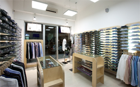 Franchising Program with Heffort, Italian fashion shirts for men, Heffort shirts franchise vendors the real Italian men shirts collection for winter and summer seasons, Heffor offers classic shirts for franchising, Italian classic shirts and fashion shirts for men franchise business, Heffort is an Italian trademark created to men fashion distributors, franchising and wholesalers. Heffort shirts manufactured by Texil3 introduces a new way to become a Partner in shirts Business: a modern franchising to grow up together with our partners and increase fashion shirts business profit.